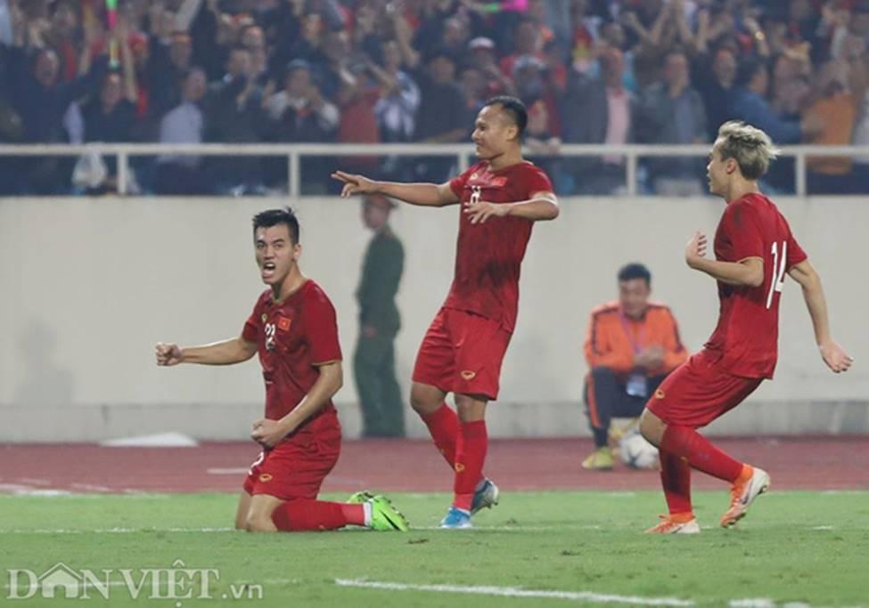 Ảnh: Tiến Linh tỏa sáng, tạo 2 bước ngoặt đưa Việt Nam thắng UAE-8