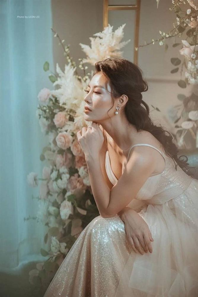 Thanh Hương diện đầm xòe công chúa 2 dây, trưng vòng một căng đầy gợi cảm-6