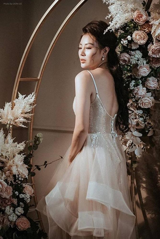 Thanh Hương diện đầm xòe công chúa 2 dây, trưng vòng một căng đầy gợi cảm-8