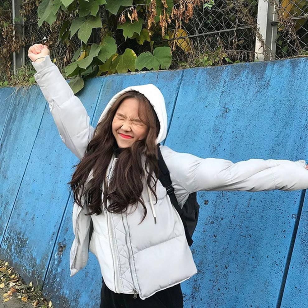 Choáng với cách học sinh Hàn Quốc xả hơi sau thi ĐH: Kẻ đua nhau vứt luôn sách vở ở cổng trường, người vào thẩm mỹ viện đập mặt đổi đời-13