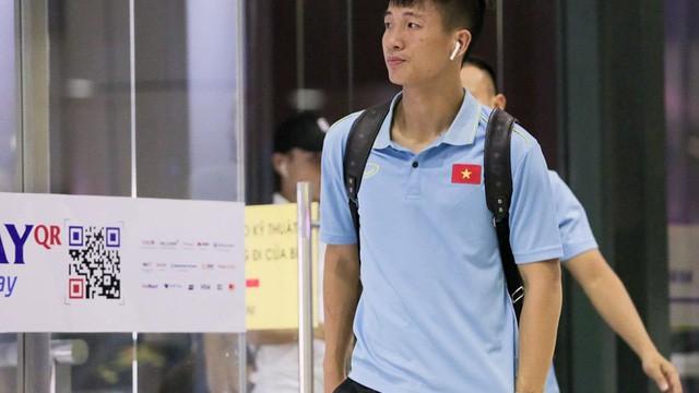 Ngôi sao bóng đá Việt Nam và nước ngoài đều chuộng AirPods-5