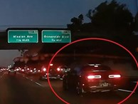 Ôtô tăng tốc thiếu quan sát gây tai nạn liên hoàn