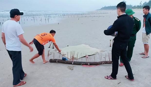 Phát hiện thi thể không đầu, chết bất thường ở bờ biển Quảng Nam-1