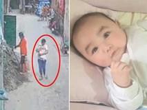 Thuê bảo mẫu cho con trên Facebook, mẹ hoảng hốt khi xem camera chỉ sau 1 ngày