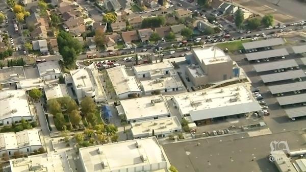 Hiện trường vụ xả súng khiến ít nhất 6 người bị thương tại trường học ở Mỹ-1