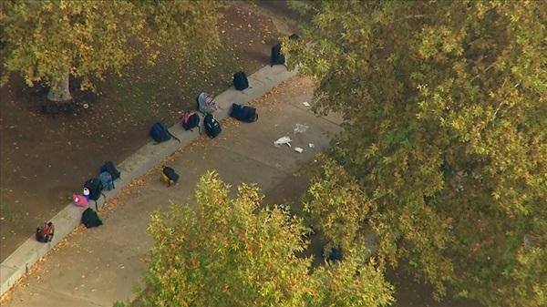 Hiện trường vụ xả súng khiến ít nhất 6 người bị thương tại trường học ở Mỹ-4