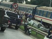 Tàu hỏa tông ôtô lật ngửa, nữ tài xế trẻ tử vong tại chỗ