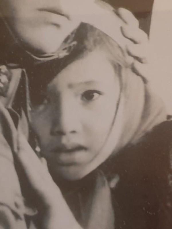 ẢNH HIẾM: Nhìn NSND Lan Hương bây giờ lại nhớ nhan sắc thời trẻ của Em bé Hà Nội-2