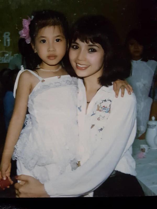 ẢNH HIẾM: Nhìn NSND Lan Hương bây giờ lại nhớ nhan sắc thời trẻ của Em bé Hà Nội-9