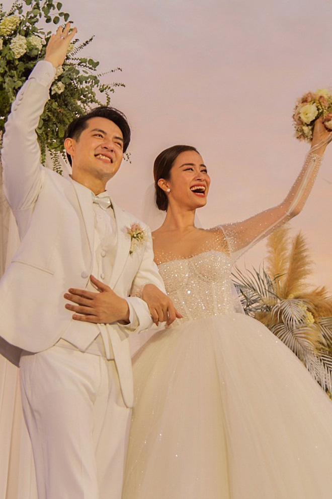 Điểm trùng hợp hài hước khi Đông Nhi, Bảo Thy tổ chức đám cưới với ông xã giàu có-2