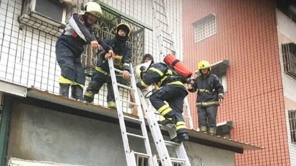 Lắp chuồng cọp quá kiên cố, gia đình 4 người chết cháy trong hỏa hoạn vì không có lối thoát-2