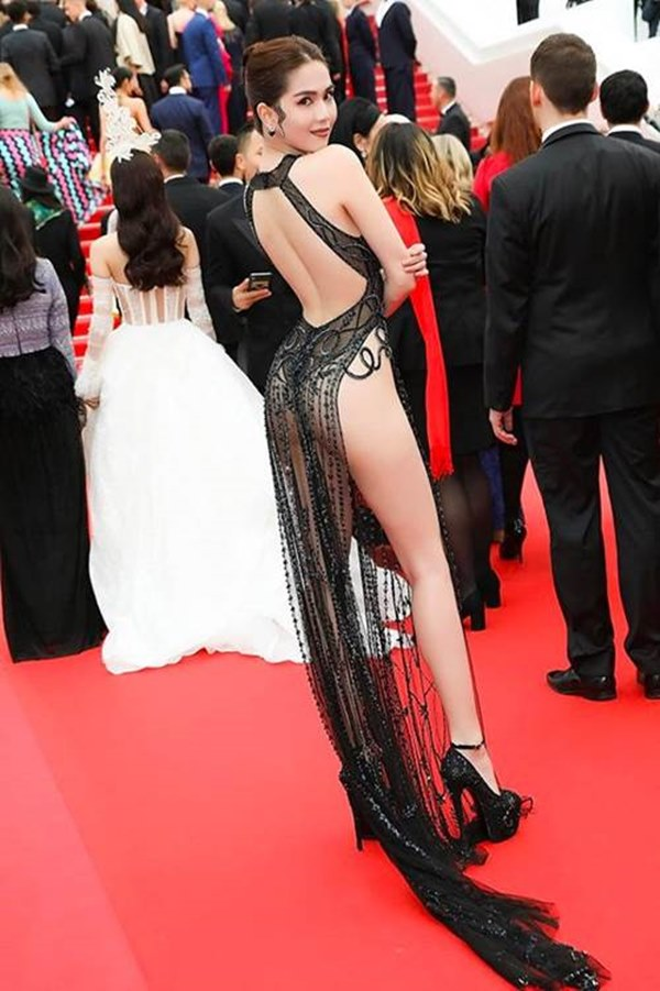 Ngọc Trinh, Phượng Chanel bạo tay sắm hàng hiệu tiền tỷ, mặc thả ga chẳng lo người ta-1