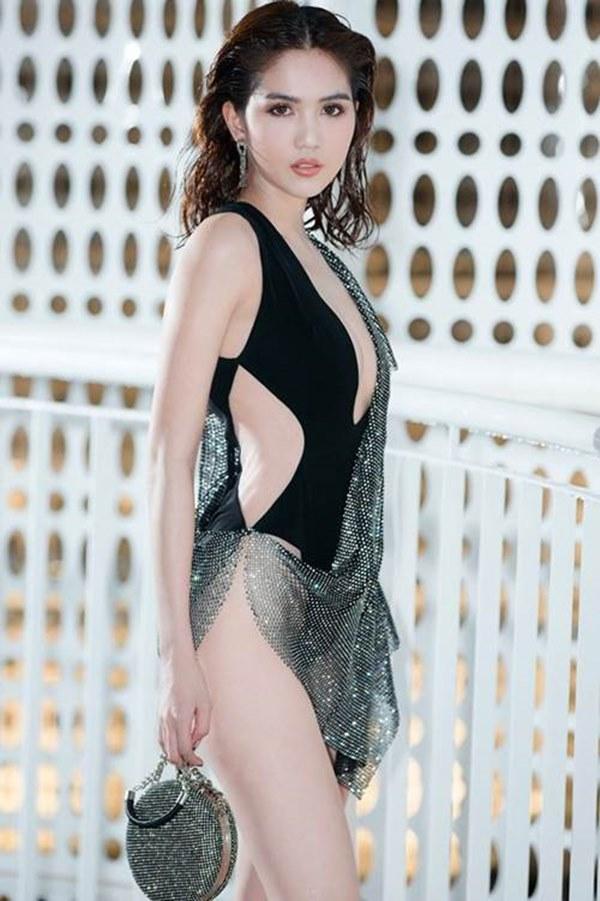 Ngọc Trinh, Phượng Chanel bạo tay sắm hàng hiệu tiền tỷ, mặc thả ga chẳng lo người ta-2