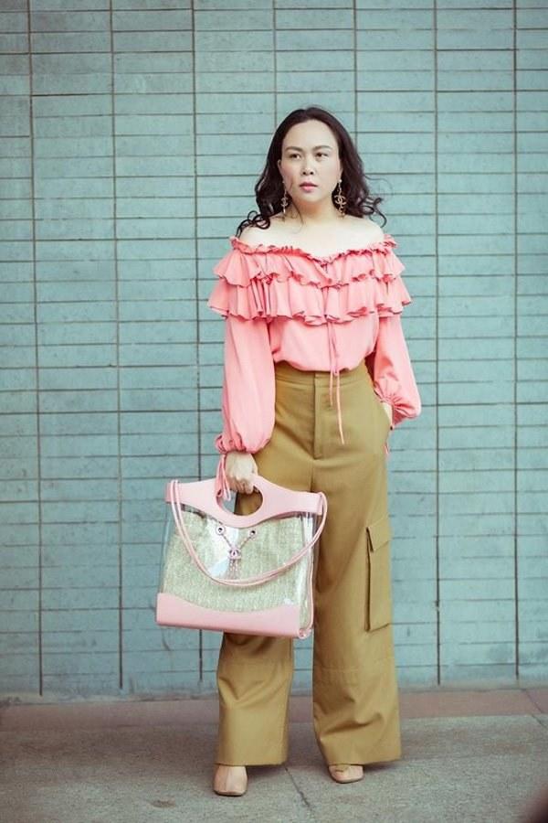 Ngọc Trinh, Phượng Chanel bạo tay sắm hàng hiệu tiền tỷ, mặc thả ga chẳng lo người ta-14