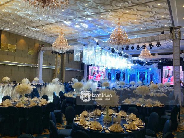 Không gian đám cưới Bảo Thy tại khách sạn 6 sao siêu sang chảnh: Trang trí giản đơn nhưng vẫn toát lên gia thế khủng!-3
