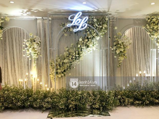 Không gian đám cưới Bảo Thy tại khách sạn 6 sao siêu sang chảnh: Trang trí giản đơn nhưng vẫn toát lên gia thế khủng!-4