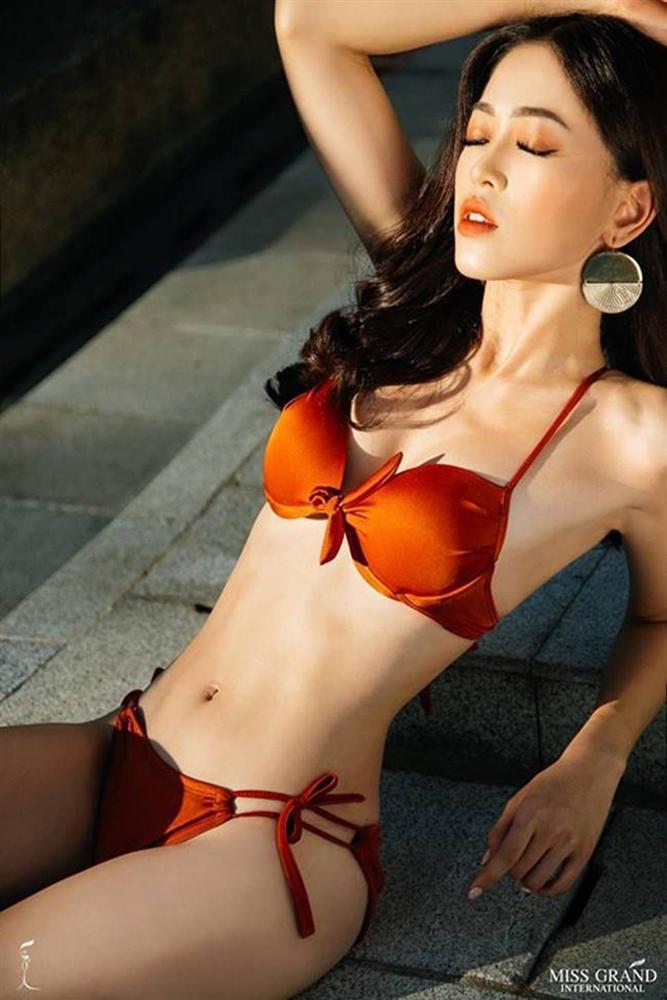 Mặc bikini thi quốc tế: Ngân Anh nhầm nội y vẫn có giải, Tiểu Vy hot nhờ bụng múi-11