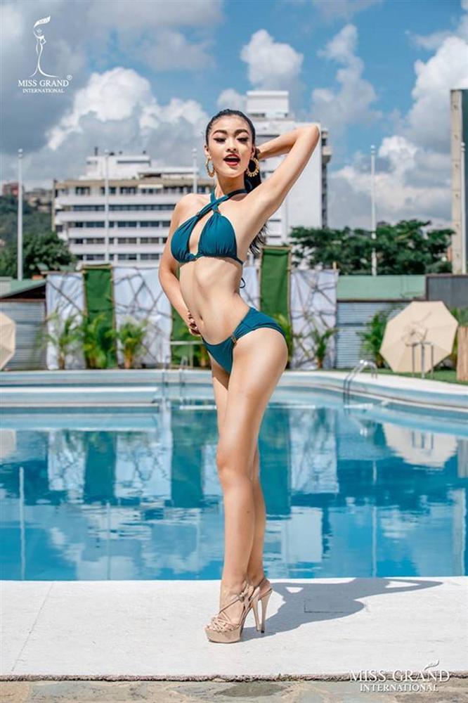 Mặc bikini thi quốc tế: Ngân Anh nhầm nội y vẫn có giải, Tiểu Vy hot nhờ bụng múi-8