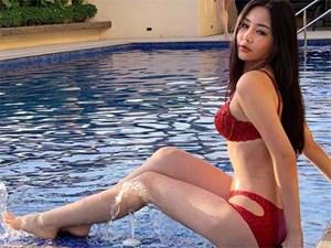 Mặc bikini thi quốc tế: Ngân Anh nhầm nội y vẫn có giải, Tiểu Vy hot nhờ bụng múi
