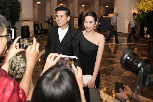 Vượt qua sóng gió hôn nhân, Hồ Hoài Anh - Lưu Hương Giang tay trong tay đi đám cưới Giang Hồng Ngọc-1