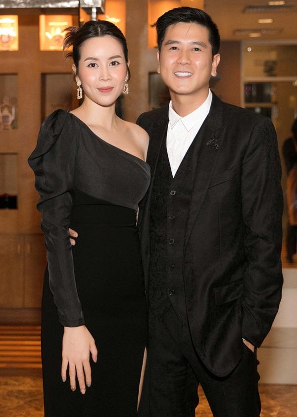 Vượt qua sóng gió hôn nhân, Hồ Hoài Anh - Lưu Hương Giang tay trong tay đi đám cưới Giang Hồng Ngọc-2