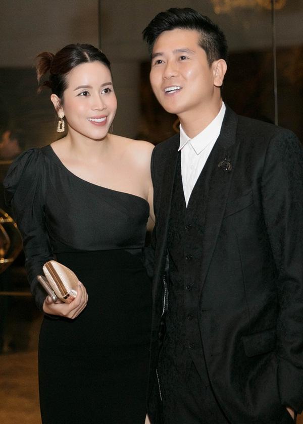 Vượt qua sóng gió hôn nhân, Hồ Hoài Anh - Lưu Hương Giang tay trong tay đi đám cưới Giang Hồng Ngọc-6