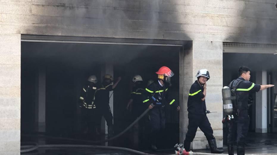 Cháy dữ dội tại tầng hầm biệt thự chứa nhiều ôtô sang của đại gia thép, nhiều tài sản bị thiêu rụi-1