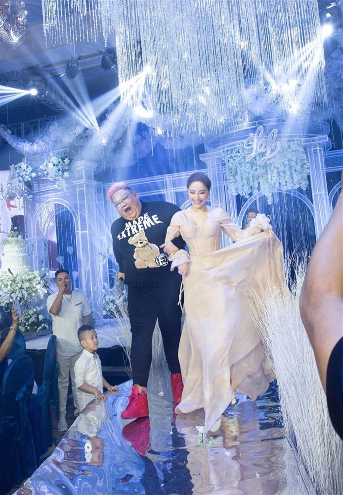 Những khoảnh khắc chưa công bố trong lễ cưới của Bảo Thy-12