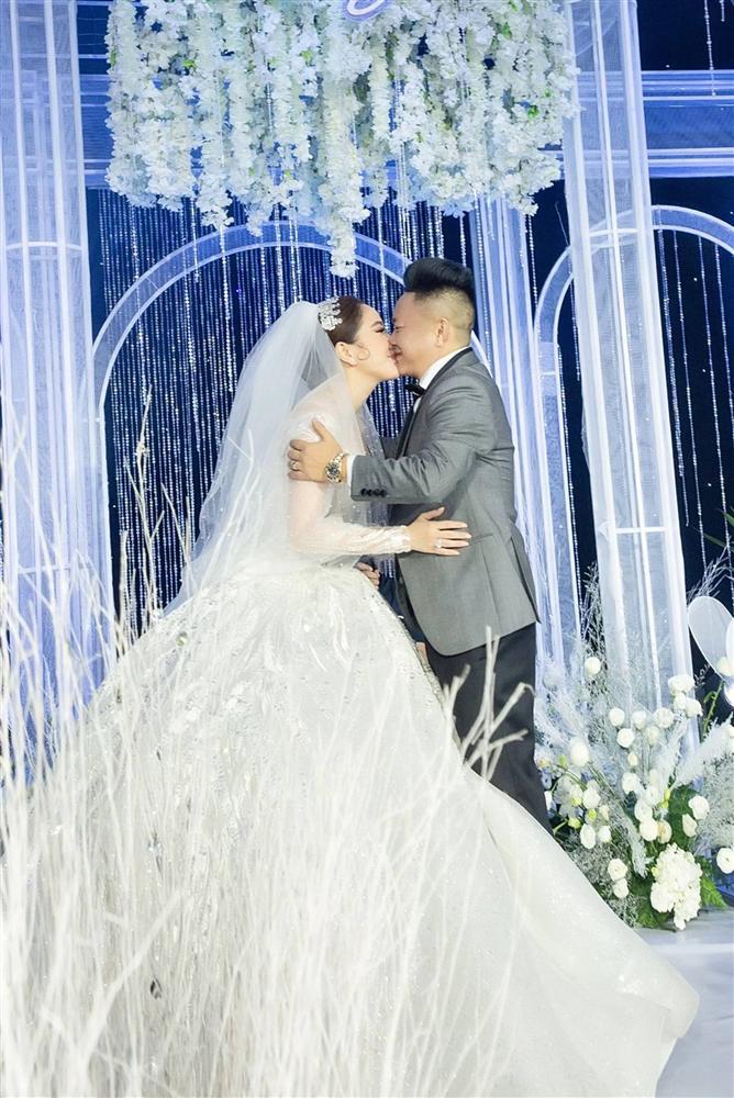 Những khoảnh khắc chưa công bố trong lễ cưới của Bảo Thy-7