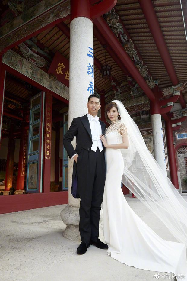 Đám cưới hot nhất Cbiz hôm nay: Siêu mẫu Lâm Chí Linh liên tục khóc, hôn nồng nhiệt chồng Nhật kém 7 tuổi-9