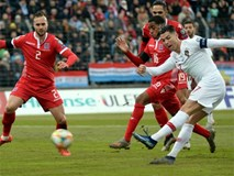 Ronaldo tỏa sáng đưa Bồ Đào Nha dự VCK Euro 2020