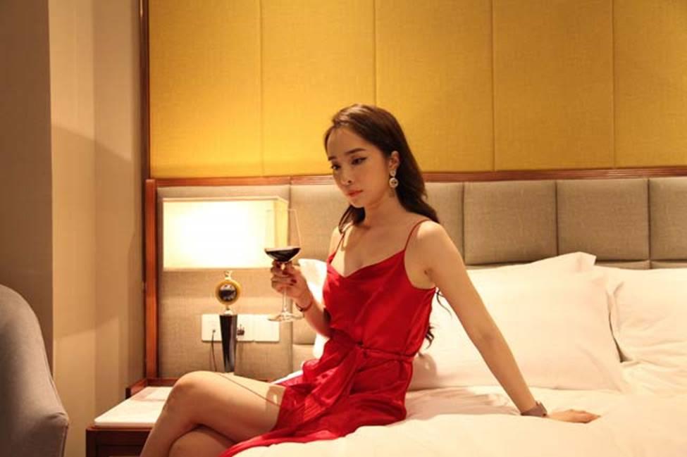Gái ngành hot nhất màn ảnh Việt đời thực mặc hot hơn trên phim-2