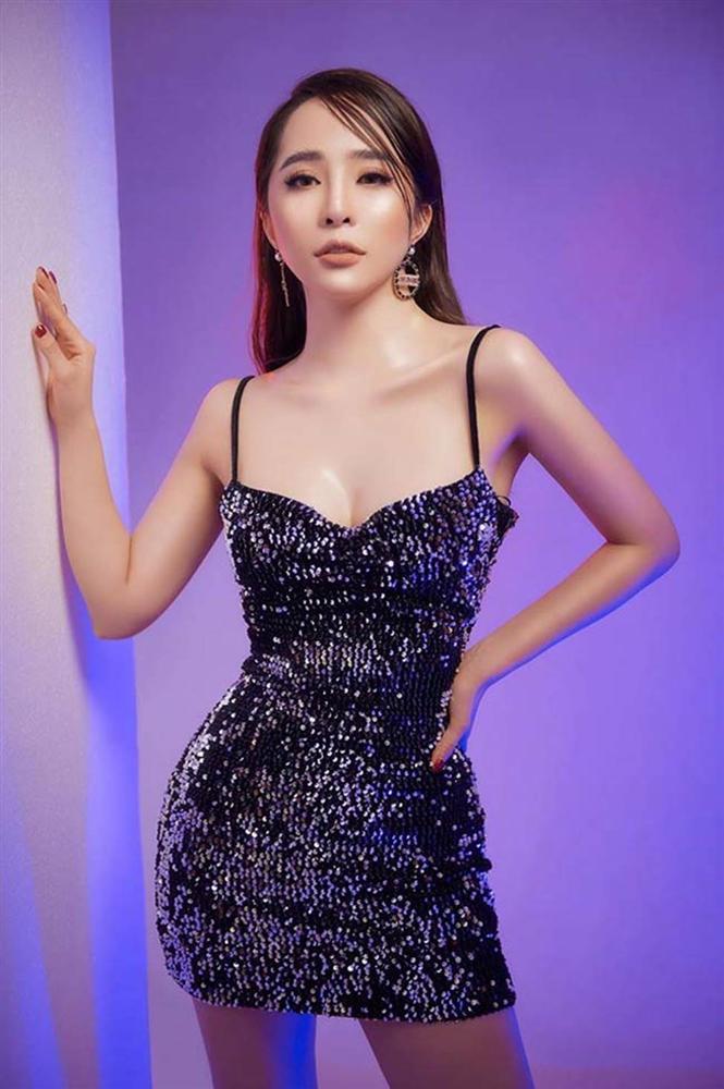Gái ngành hot nhất màn ảnh Việt đời thực mặc hot hơn trên phim-13