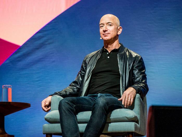 10 năm biến động của tỷ phú Jeff Bezos-10