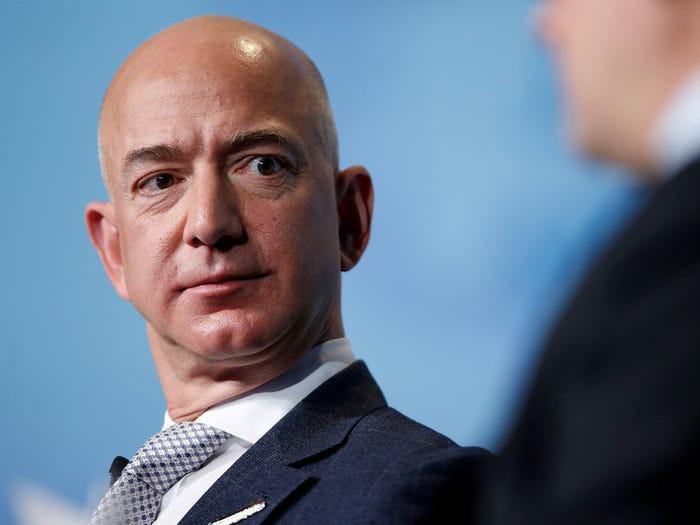 10 năm biến động của tỷ phú Jeff Bezos-14