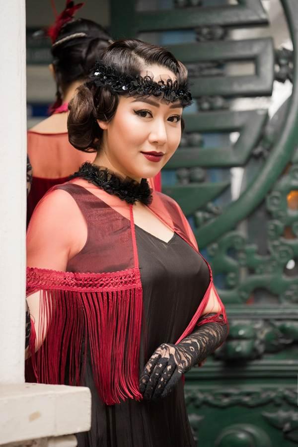 Ngô Phương Lan bất ngờ diễn mở màn show thời trang dù mới sinh con 8 tháng-4