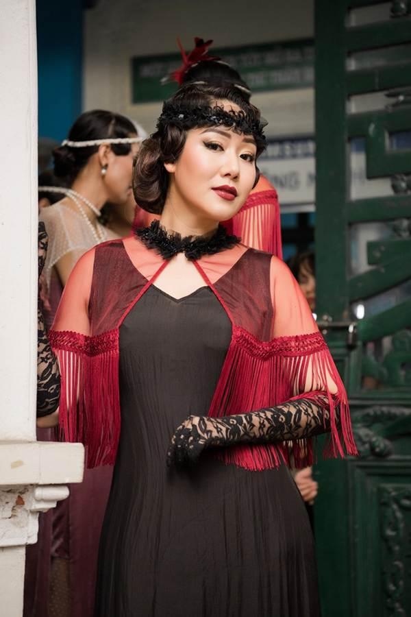 Ngô Phương Lan bất ngờ diễn mở màn show thời trang dù mới sinh con 8 tháng-5