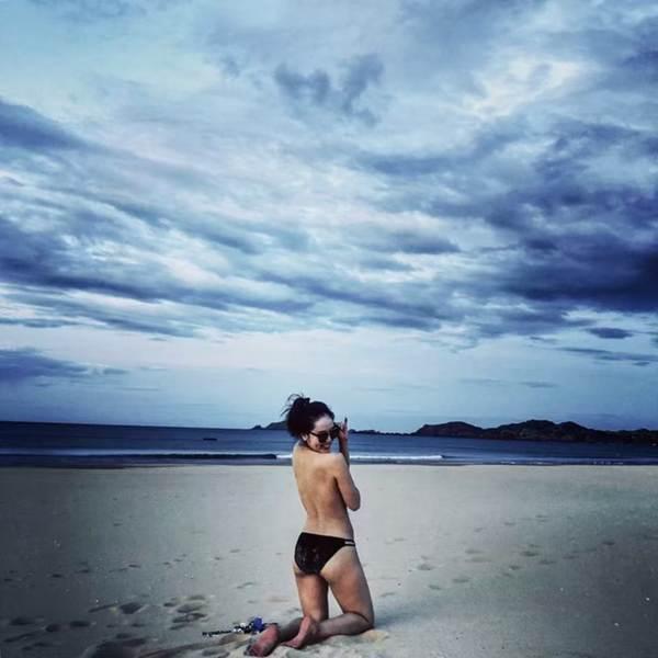 Loạt ảnh bikini nóng bỏng mắt' của ca sĩ Phương Linh-11