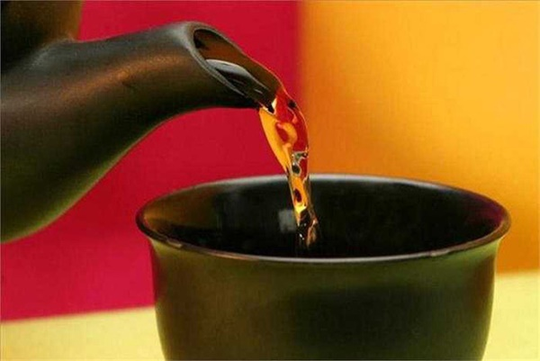 Người đàn ông bị ung thư gan chỉ vì thường xuyên uống trà xanh theo cách này-4