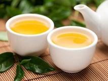 Người đàn ông bị ung thư gan chỉ vì thường xuyên uống trà xanh theo cách này