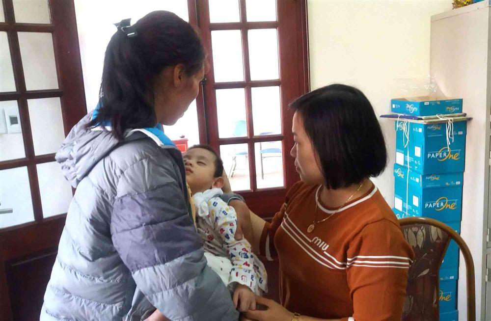 Sự thật bất ngờ bé trai 3 tuổi ở Hải Dương bị bỏ rơi trước cửa nhà dân-4