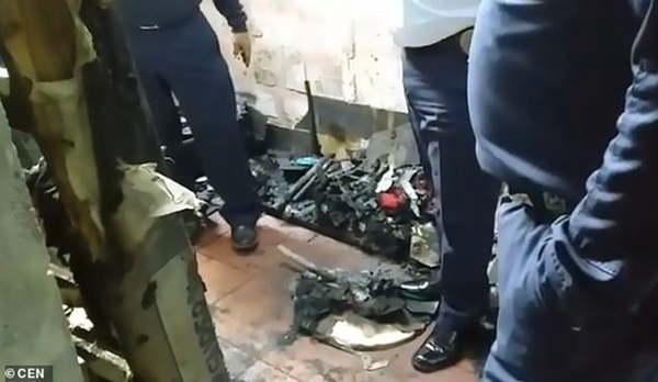 Vụ hỏa hoạn kinh hoàng cướp đi sinh mạng của 2 bé gái, hình ảnh còn lại ở hiện trường khiến ai cũng phải xót xa-3