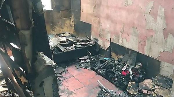 Vụ hỏa hoạn kinh hoàng cướp đi sinh mạng của 2 bé gái, hình ảnh còn lại ở hiện trường khiến ai cũng phải xót xa-4
