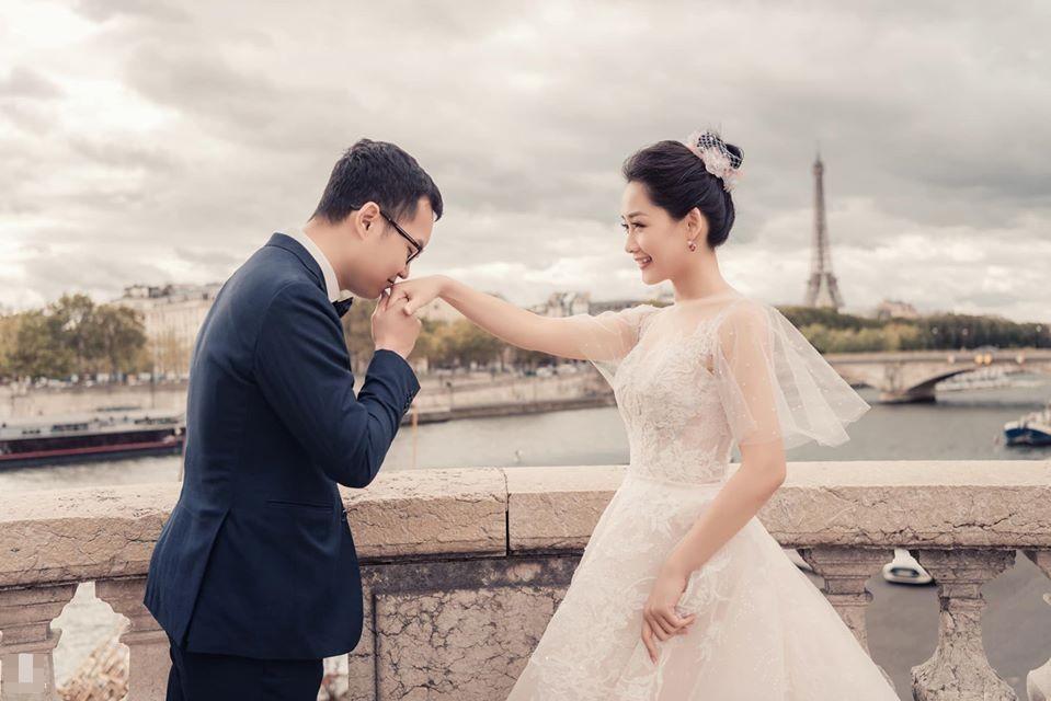 Ảnh cưới của BTV Thu Hà và bạn trai ở Pháp-1