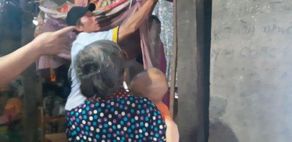 """Vụ bố treo cổ 2 con rồi tự tử ở Tuyên Quang: Hai đứa trẻ có tội tình gì đâu""""-2"""