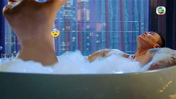 Cảnh ân ái 18+ của Hoa hậu Hồng Kông xuất hiện trong phim TVB: Bạn trai bị sốc, khán giả chỉ trích nặng nề-5