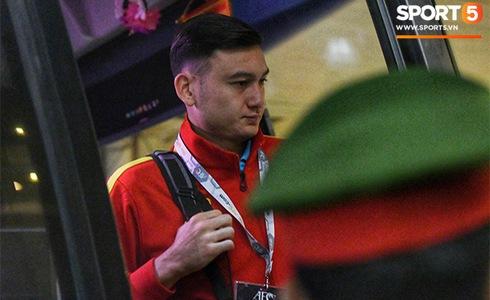 Văn Lâm cản phá 11 m, Việt Nam hòa Thái Lan ở vòng loại World Cup-36
