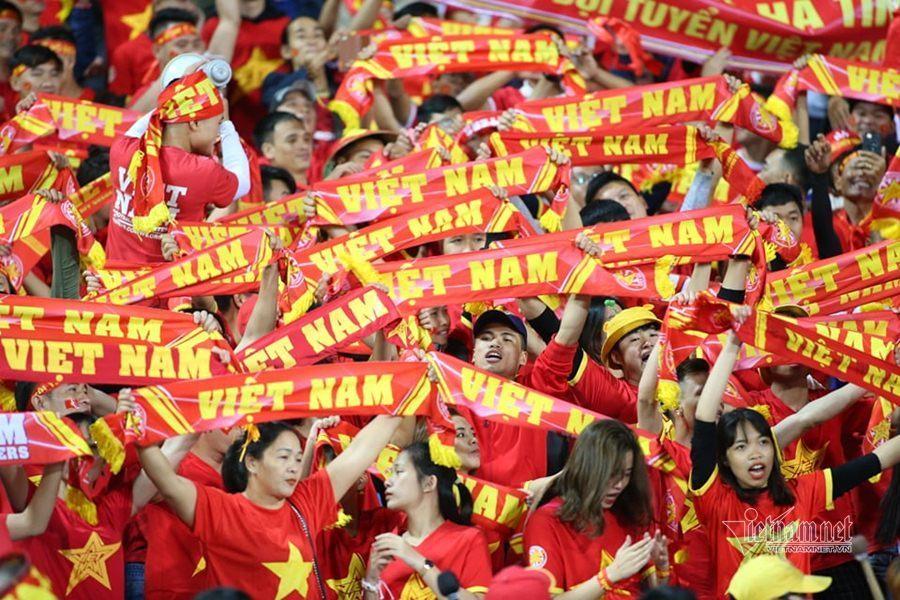 Văn Lâm cản phá 11 m, Việt Nam hòa Thái Lan ở vòng loại World Cup-20