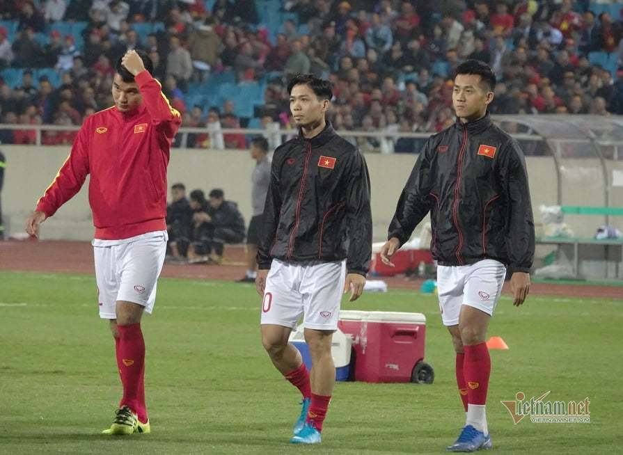 Văn Lâm cản phá 11 m, Việt Nam hòa Thái Lan ở vòng loại World Cup-18