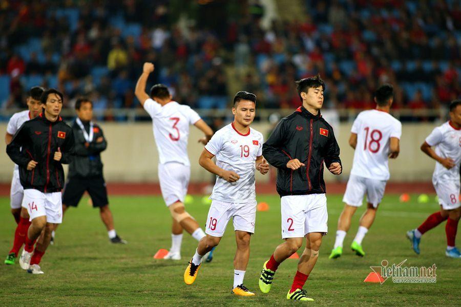 Văn Lâm cản phá 11 m, Việt Nam hòa Thái Lan ở vòng loại World Cup-16